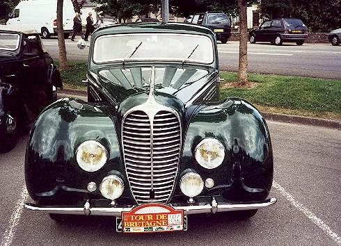 crozon voiture ancienne photo d 39 une belle delahaye. Black Bedroom Furniture Sets. Home Design Ideas